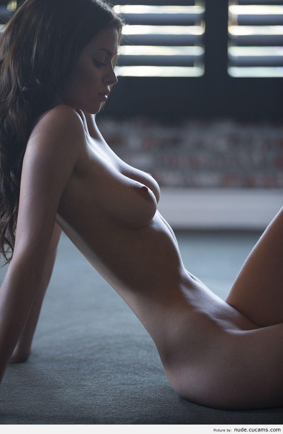 Фото обнаженных девушек с красивой фигурой 17 фотография