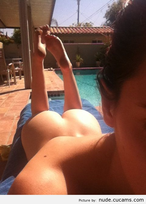 Nude Mature Oiled by nude.cucams.com