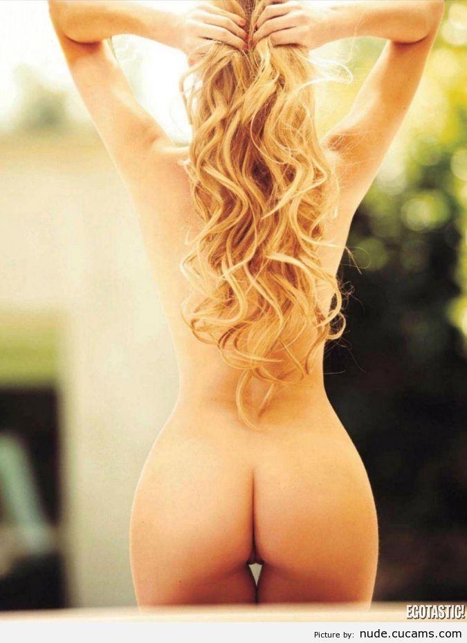 Nude Fantasy Pool by nude.cucams.com