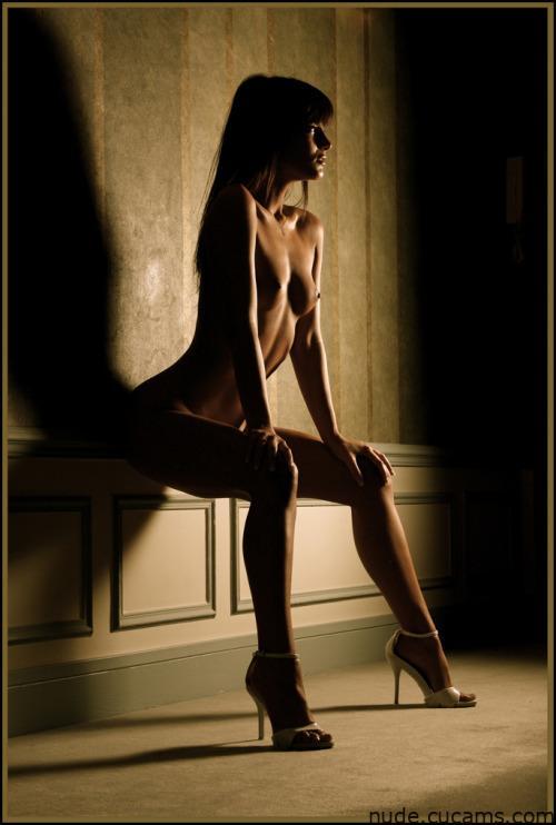 Nude Queen Wild by nude.cucams.com